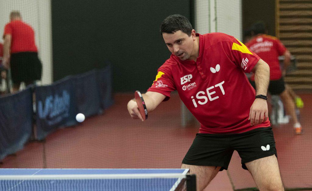 Jorge Cardona cierra su participación en el Chile Open 2020 de tenis de mesa con una medalla de oro y otra de plata