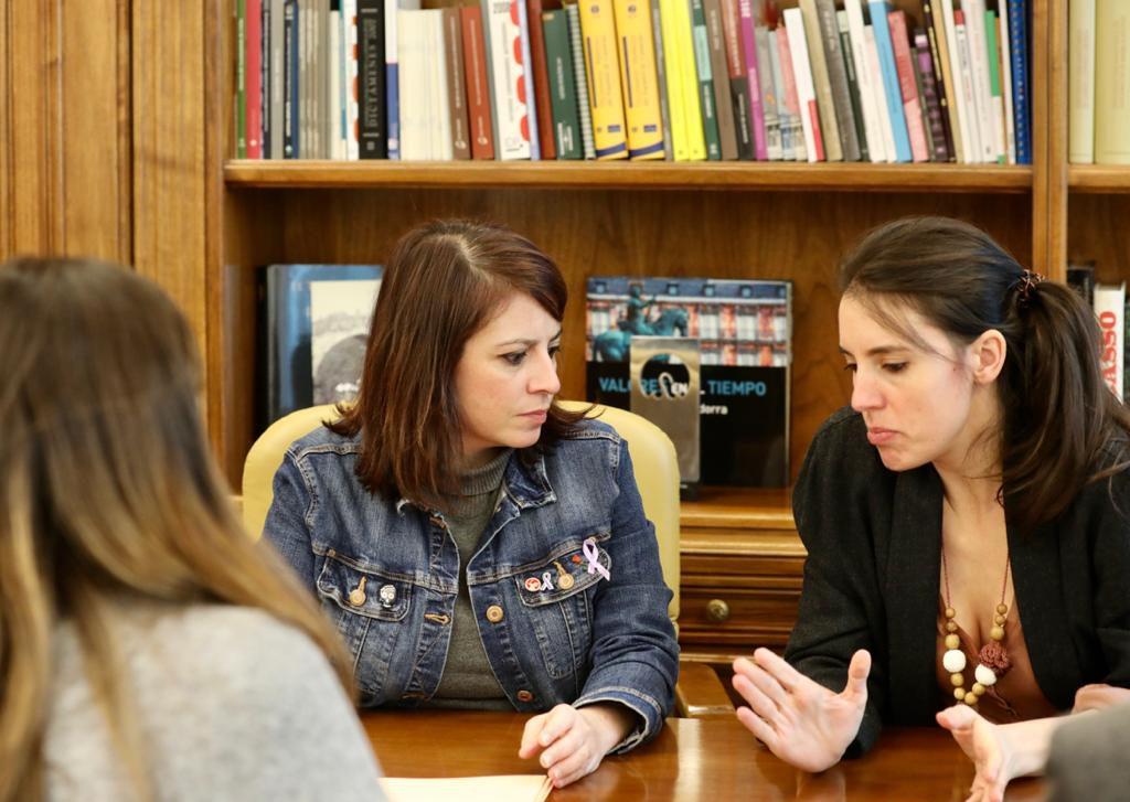 Moncloa anuncia que habrá cuatro vicepresidencias, tres ocupadas por mujeres, el día en el que empieza el acercamiento entre Sánchez y Torra
