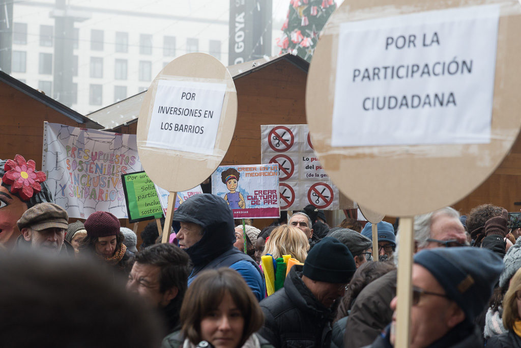 La Zaragoza Social se defiende en calles e instituciones