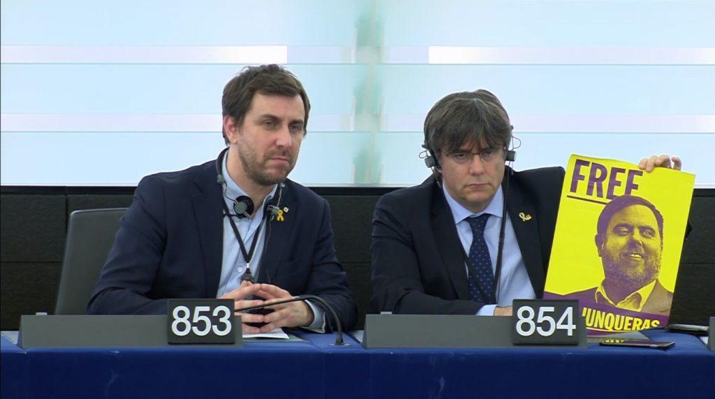 Puigdemont: «La UE debe dejar de mirar hacia otro lado e involucrarse en el conflicto político en Catalunya»