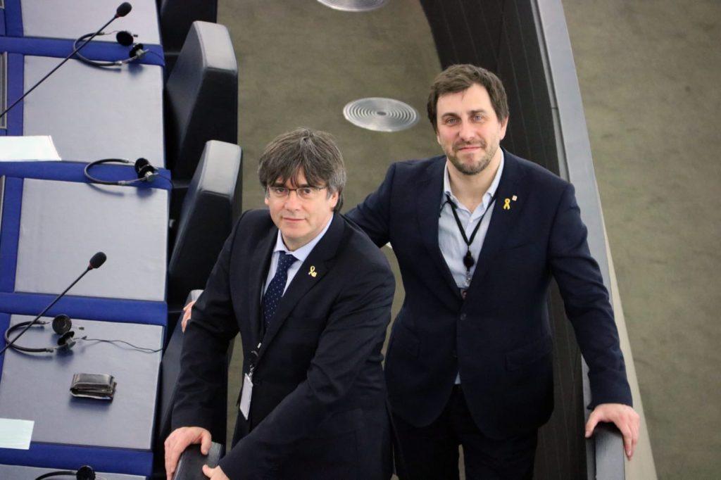 La Eurocámara activa el inicio del suplicatorio contra Puigdemont y Comín