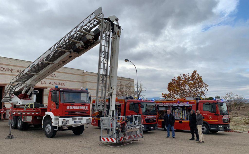 Bomberos de la DPZ incorpora dos nuevos camiones ligeros y un brazo telescópico de 42 metros