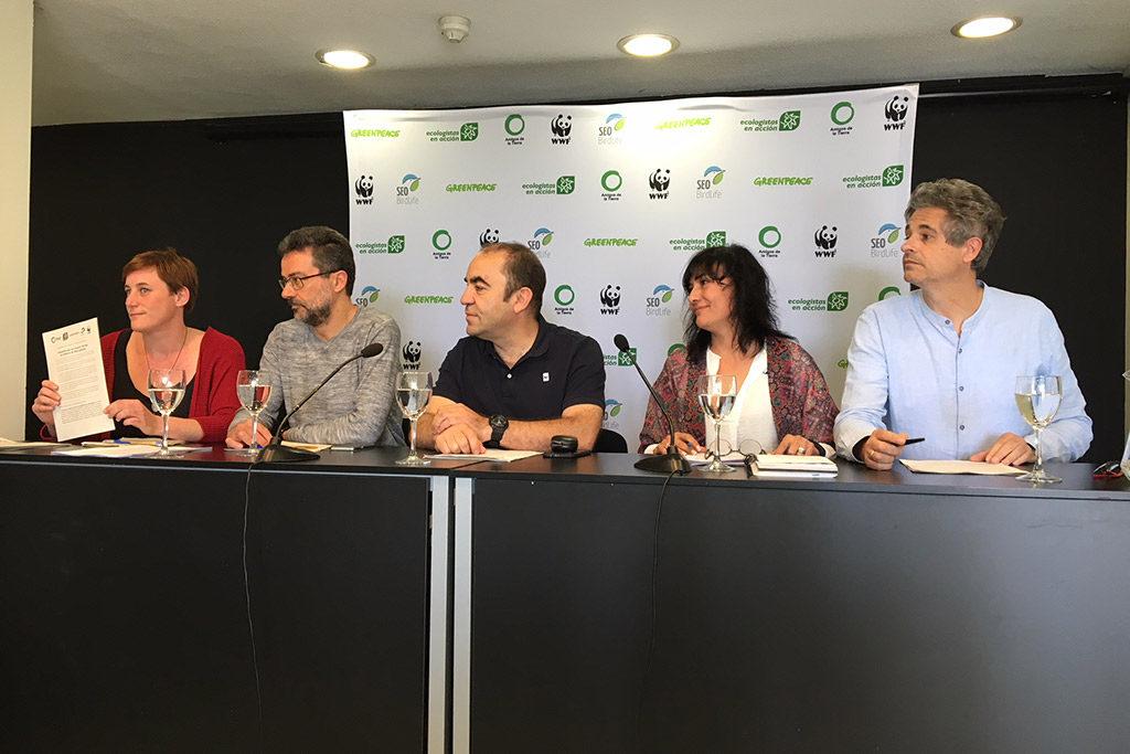 La ministra de Transición Ecológica recibe 30 propuestas ambientales para los primeros 100 días de Gobierno