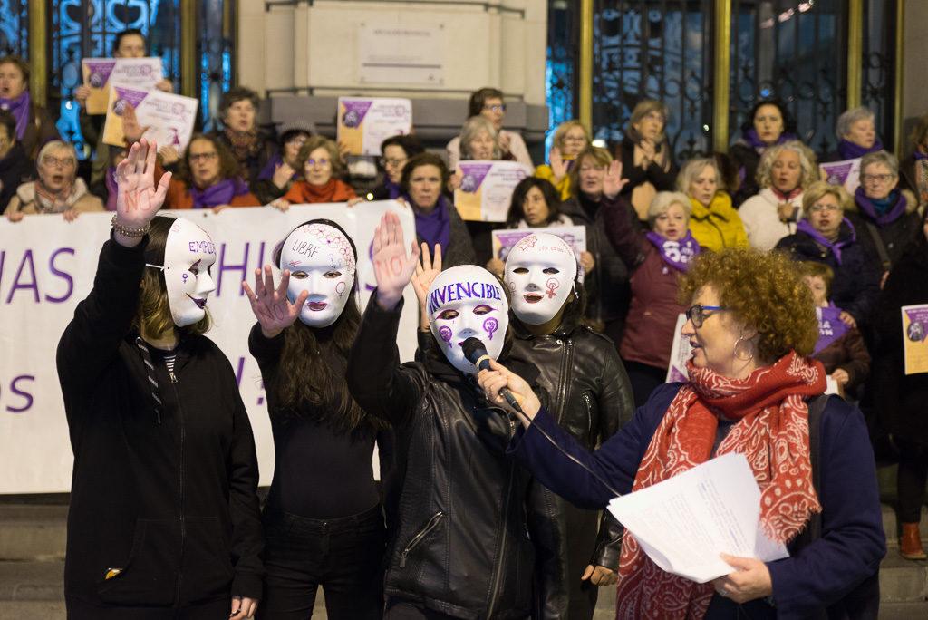 El Pleno de Zaragoza debatirá volver a poner su logo en las concentraciones contra la violencia machista de la FABZ