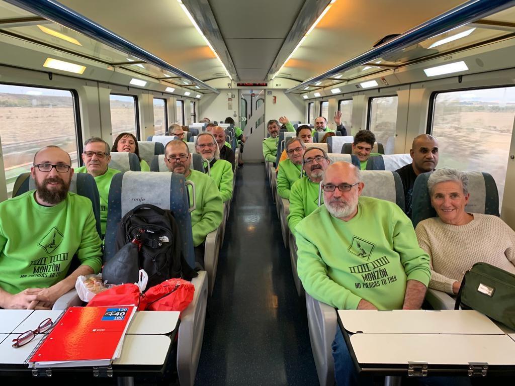 'No pierdas tu tren': una jornada reivindicativa en defensa del ferrocarril y contra el cierre de taquillas