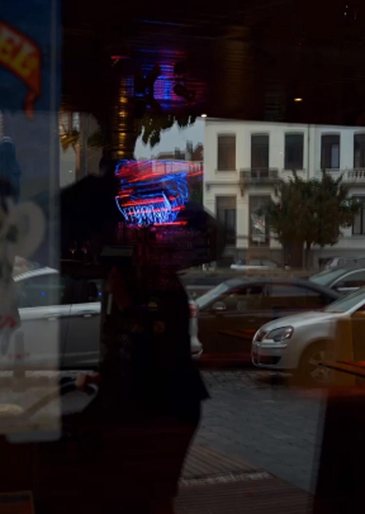 """Exposición: """"Solos en la ciudad"""""""